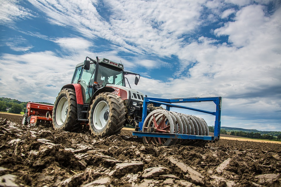 tractor-5205378_960_720