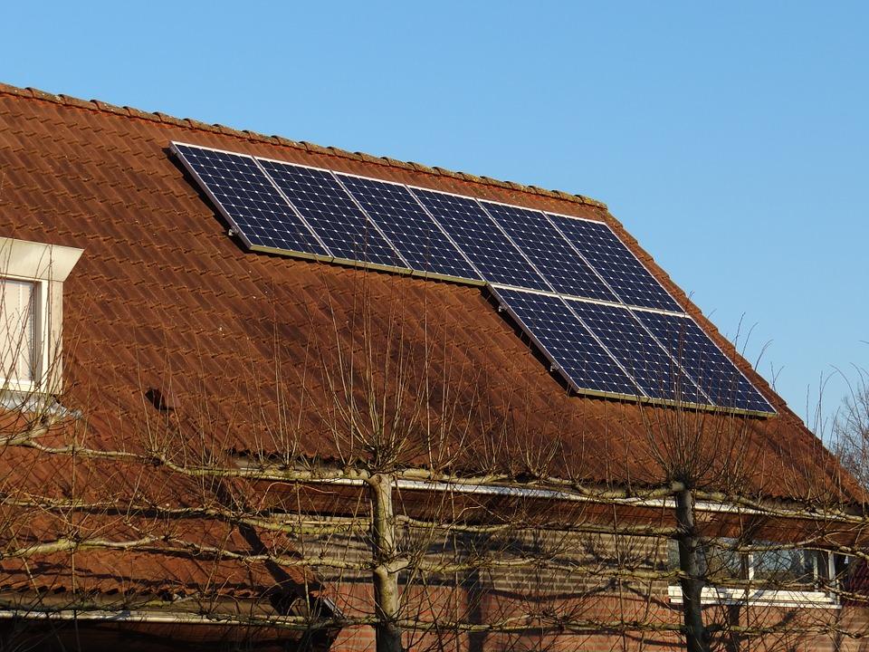solar-panels-671454_960_720